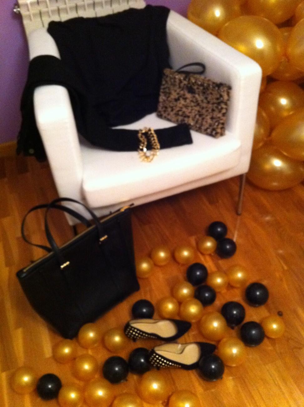Outfit negro y dorado